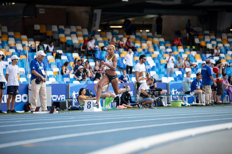 Die 4x400 Meter Staffel der Damen landet bei der Universiade 2019 in Neapel auf einem guten sechsten Rang. 13. Juli 2019, © Arndt Falter