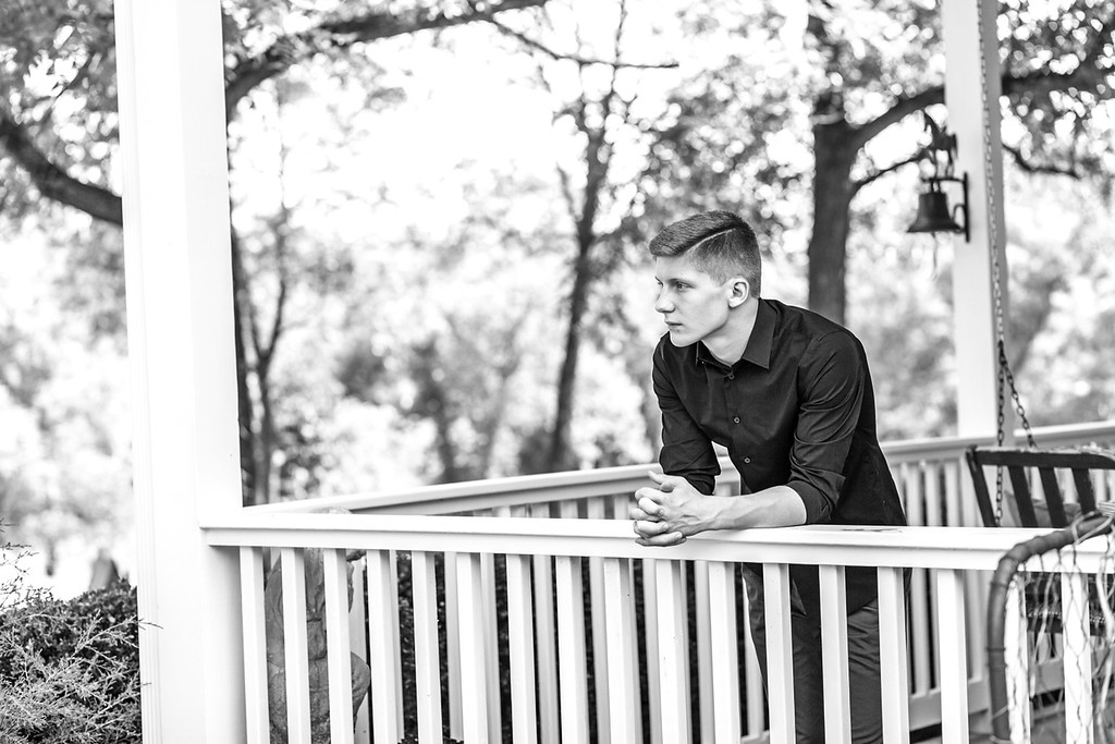 Eli Senior Session-39b&w