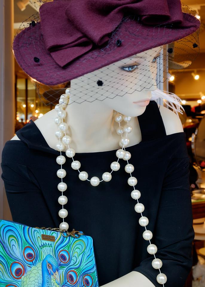 mannequin+hat+pearls-2762