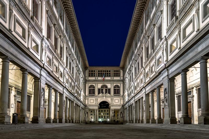 Piazzale degli Uffizi
