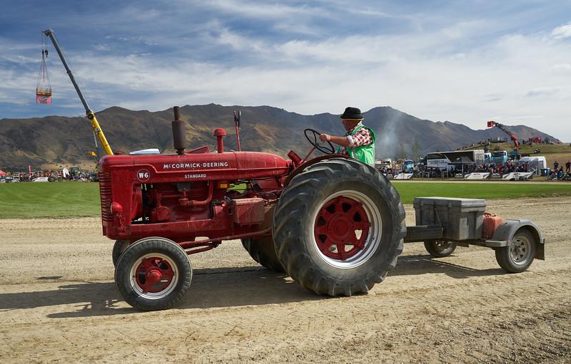 McCormick W-6 Tractor 9327