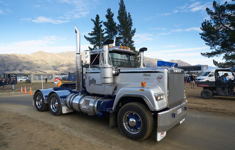 Mack Truck 9260