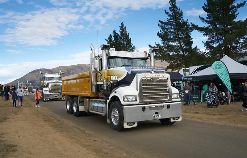 Mack Truck 9244