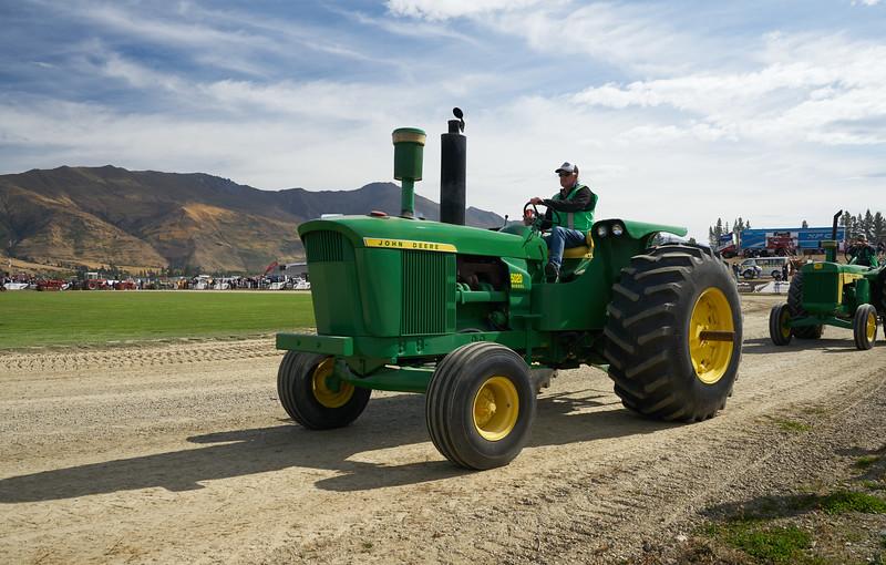 John Deere 5020 Tractor 9324