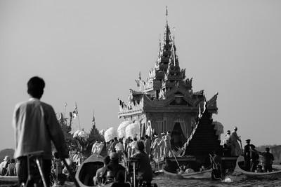 Phaung Daw Oo festival mono