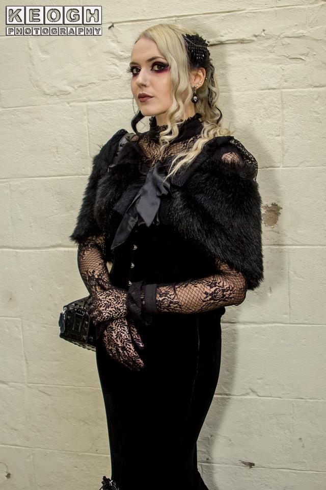 Black, Blouse, Blue, Dress, Earings, Feathers, Female, Furr Shawl, Gold, Goth, Gothic, Handbag, Headress, Lace, Lace Gloves, Shadows, Shrug, Skirt, Whitby, Whitby Gothic Weekend, Whitby Gothic Weekend April 2017, Woman