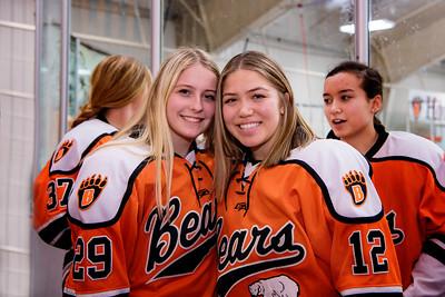 _DLS1015GirlsHockeyVRV19