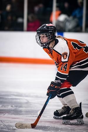 _DLS3469GirlsHockeyVForestLake2020