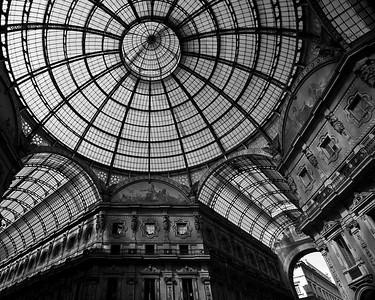 """"""" Milano ... """" .... (b&w)"""
