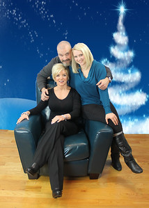 Carol Young Family Portrait - November 2015 - Blue christmas tree Backdrop IMG_9080