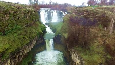 2-White River Falls cascade