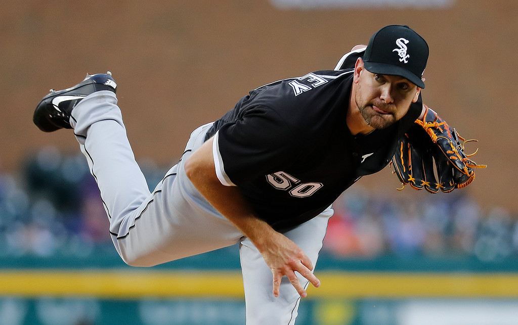. Chicago White Sox pitcher Mike Pelfrey throws against the Detroit Tigers in the first inning of a baseball game in Detroit, Friday, April 28, 2017. (AP Photo/Paul Sancya)