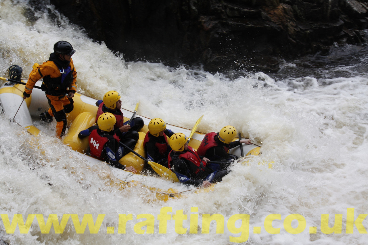 White water rafting with Splash on the River Tummel in Perthshire, Scotland - http://rafting.co.uk