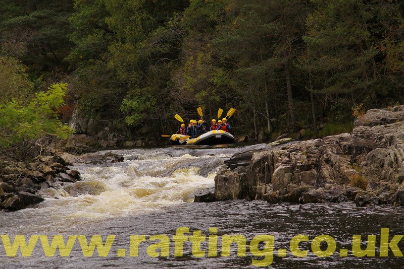 Splash White Water Rafting   http://www.rafting.co.uk/tummel.htm