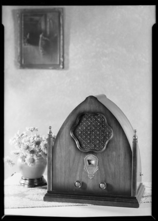 New radio, table model of Falck radio, Southern California, 1930