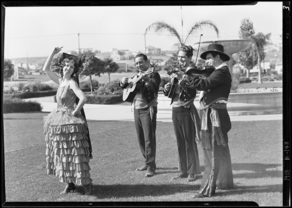 Hollywood breakfast club and Spanish entertainers at park, Los Angeles, CA, 1929