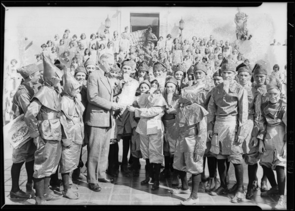 Mayor Porter and Merry Workers, Southern California, 1929