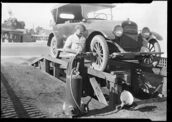 Grease gun, Southern California, 1925