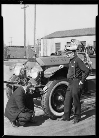 Vernon fire engine, Southern California, 1930