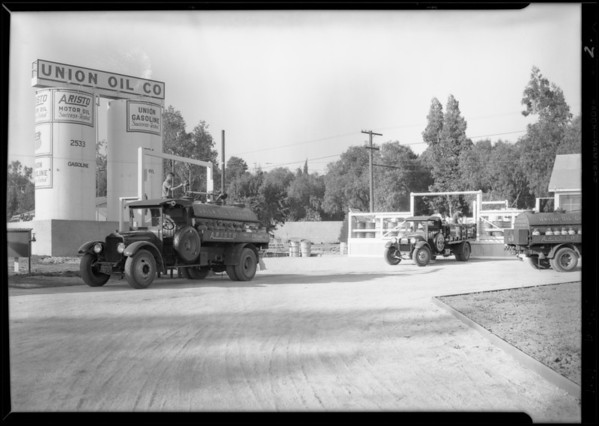 Union Oil Co. trucks, The White Co., Southern California, 1929
