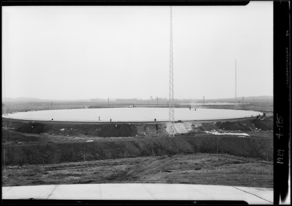 Union Oil reservoir at Brea, CA, 1929