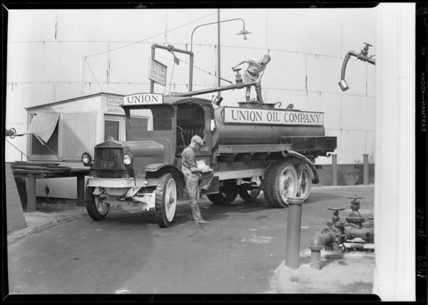 Union Oil Co. trucks, city deliveries, Southern California, 1929