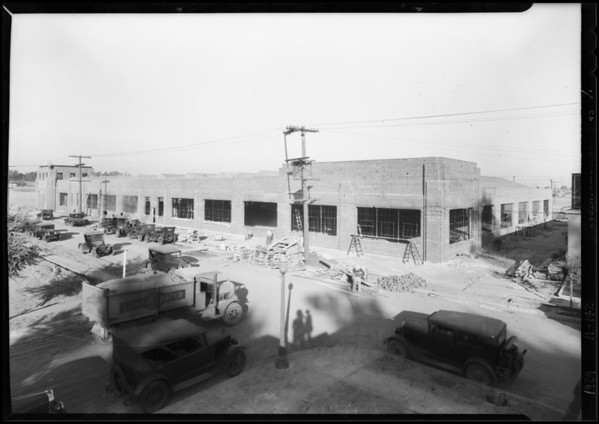 Building under construction at Hollydale, Southern California, 1929