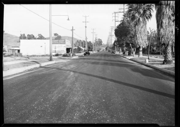 Intersection - Yosemite Drive and Highland View Avenue in Eagle Rock & Ford roadster, Pasadena, Southern California, 1931