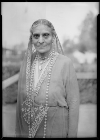 Group & Mrs. Sarobji, judge from Calentta, India, Southern California, 1931