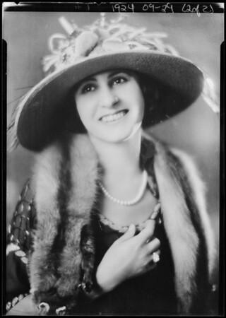 Mrs. Bob Hutchinson, Southern California, 1924