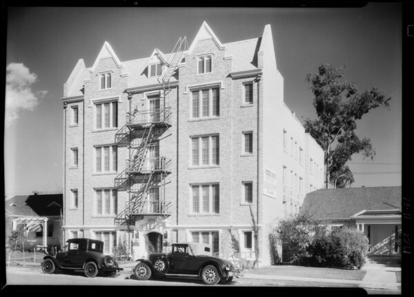 Warrington appartments, Southern California, 1928