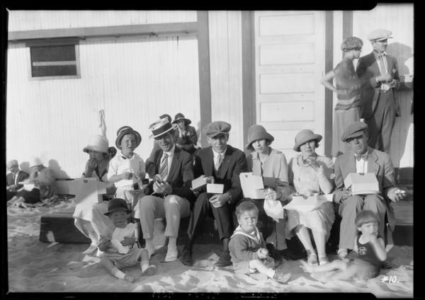 Yellow Cab picnic at Crystal Pier, Southern California, 1925