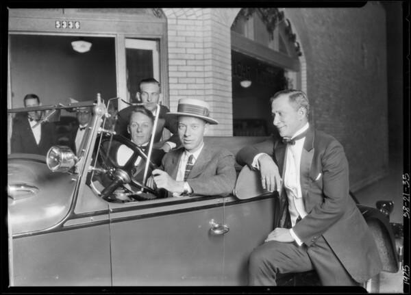 Eddie Herne in Elcar & other purchaser in Elcar, Southern California, 1925