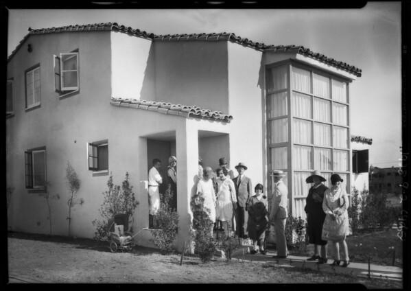 Crowd at small homes exhibit, Los Angeles, CA, 1928