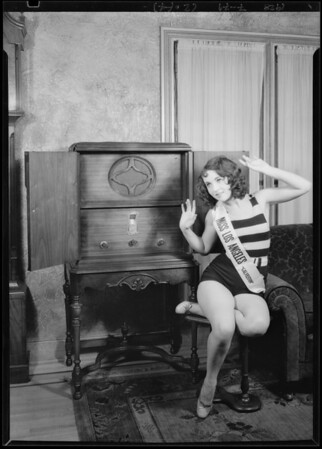 Edna Acelin and radio, Southern California, 1928