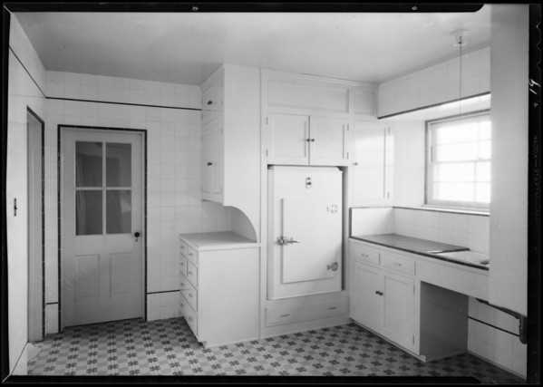 Installations of refrigerators and L&H ranges, Southern California, 1931