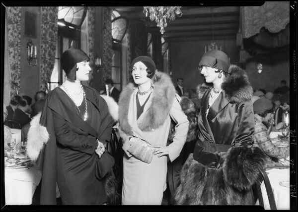 Margaret Livingston, Mary Astor, June Colyear, Alice Calhoun and model from May Co. at Montemarte, Southern California, 1929