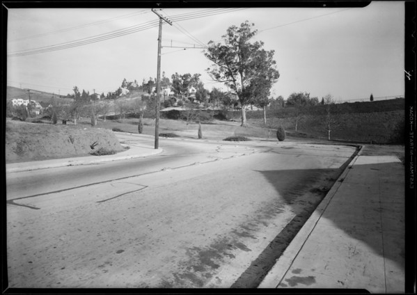 Intersection, Van Pelt Place and Silver Lake Boulevard and Chevrolet coupe, Los Angeles, CA, 1931
