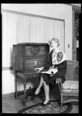Natalie Kingston and radio, Southern California, 1928