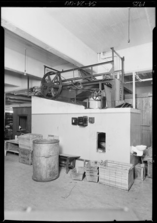 Conveyer in Young's Market, Southern California, 1925