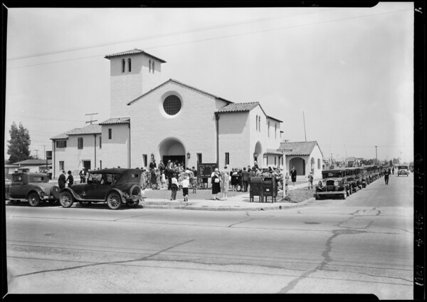 Opening day crowd, Church of Christ, Southern California, 1929