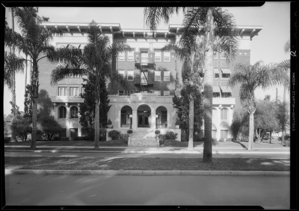 Holton Arms apartments, Southern California, 1931