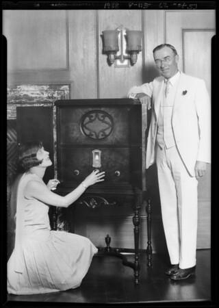 Mayor Cryer, Miss Los Angeles, & radio at City Hall, Los Angeles, CA, 1928