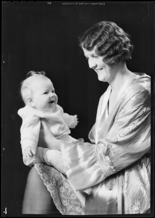 Mother & baby (Ruth Izor & Marylyn), Southern California, 1931