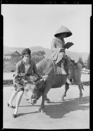 Sales ladies for Castellammare, Los Angeles, CA, 1928