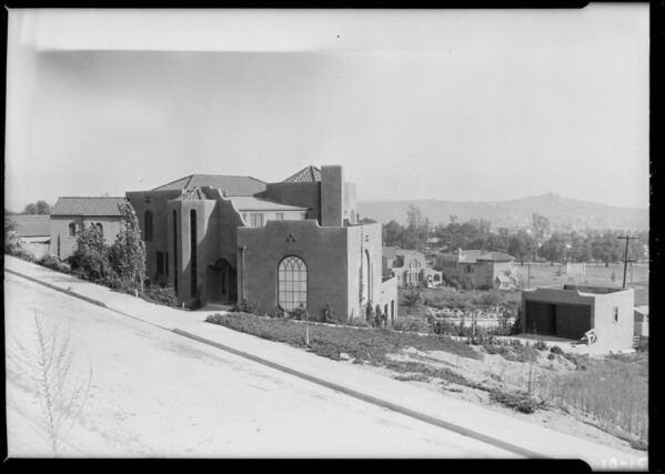 Houses on hillsides - 4154, Southern California, 1924