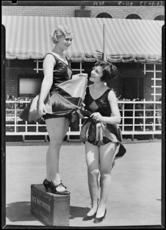 Radio show booth girls, Atwater Kent Radio, Southern California, 1928