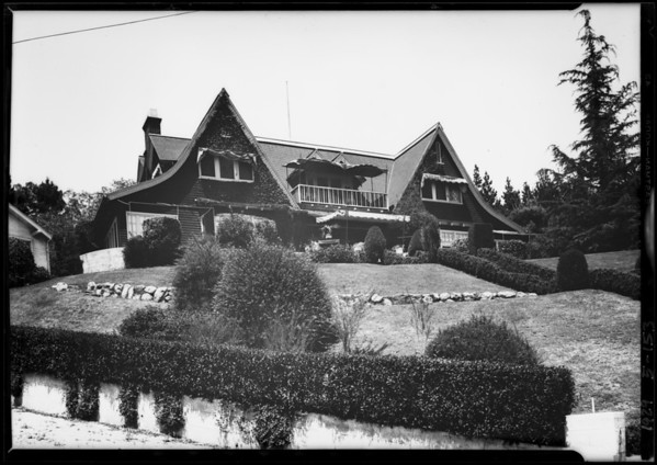 19 Hillcrest, Southern California, 1929