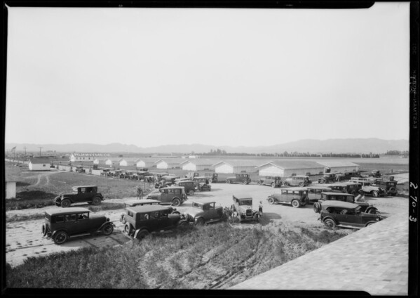 Crowd etc. at Runnymede, Southern California, 1928