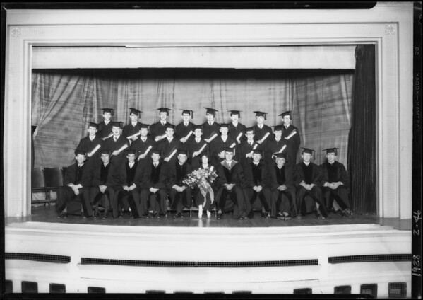 Graduating class at Ebell Club, Los Angeles School of Optometry, Southern California, 1928
